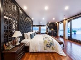 Huong Hai Sealife Legend Cruise