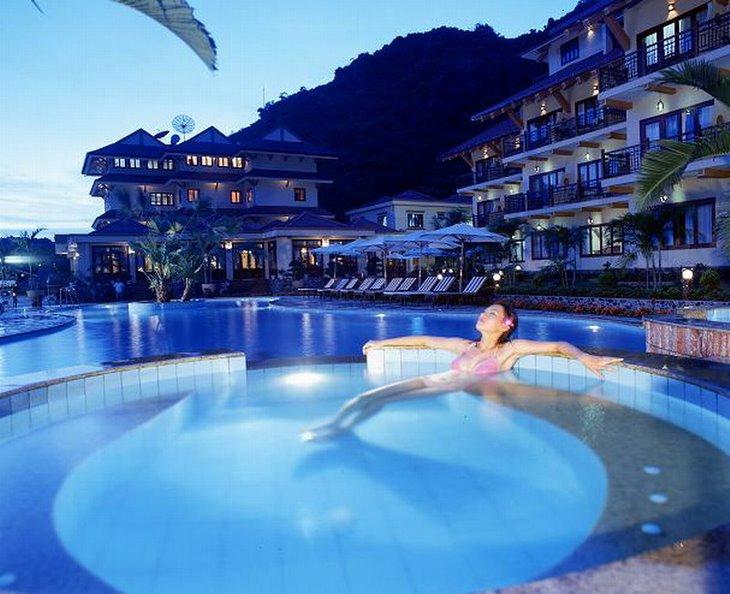 Sunrise Cat Ba Resort Hotels Info Classy Travel Vietnam